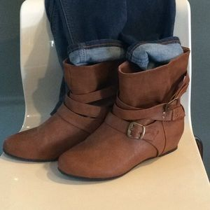 Cute Cognac boots